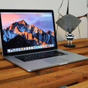 "2. EL MACBOOK PRO 15"" RETINA MC975TU/A i7 2.3GHZ 256GB GÜMÜŞ"