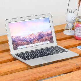"2. EL MACBOOK AİR 11"" MID 2015  i5 1.6GHZ 128GB GÜMÜŞ"