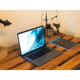 """MACBOOK PRO 15"""" TOUCH BAR 2018 i7 2.2GHZ 256GB SPACE GRAY"""