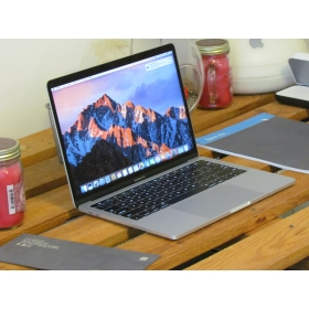 "2.EL MACBOOK PRO 13"" TOUCH BAR 2017 i5 3.1GHZ 256GB SİLVER"