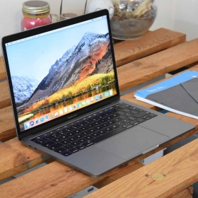 """MACBOOK PRO 13"""" TOUCH BAR 2019 i7 2.8GHZ 512GB SPACE GREY"""